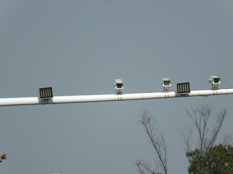 交通监控系统加补光灯应用