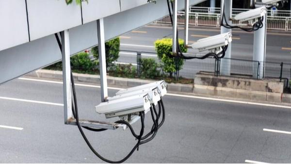 交通监控摄像头
