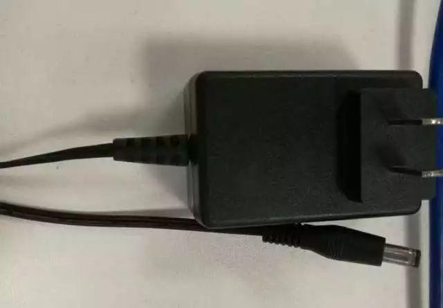 监控摄像机电源接线接口